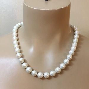 Vintage Art Deco Large White Pearl knot Necklace